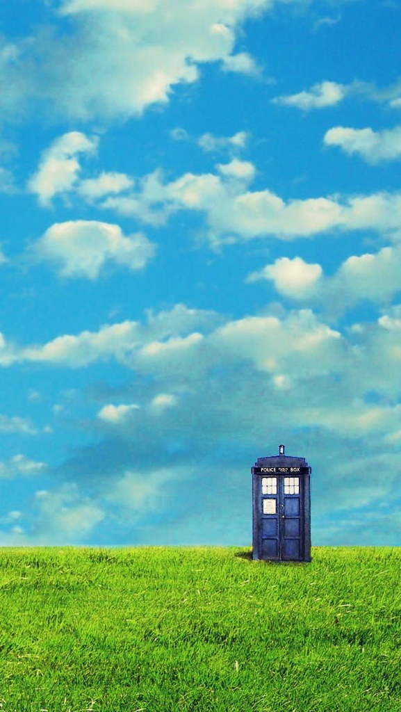 Tardis iPhone 5 Wallpaper | Tiff's Thoughts