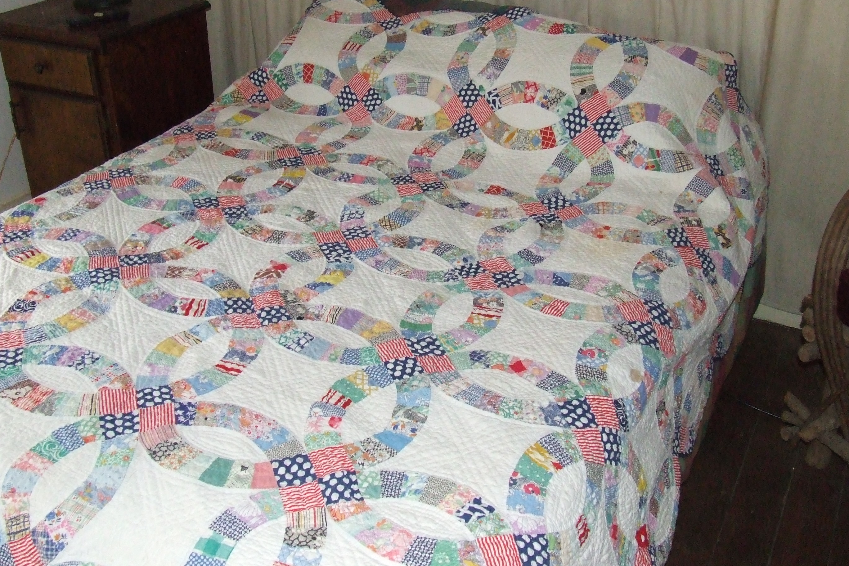 double wedding ring quilt wedding ring quilt pattern Double wedding ring quilt This