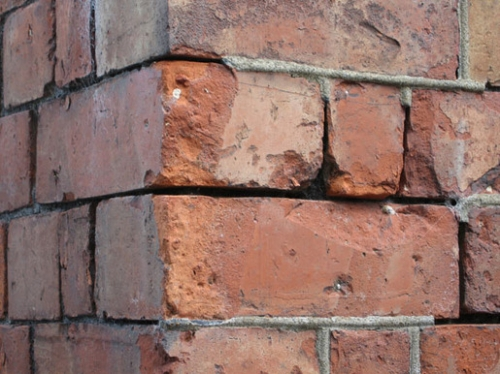 Defective Brick Pointing
