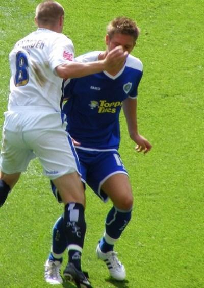 Gary Alexander (footballer) - Wikipedia