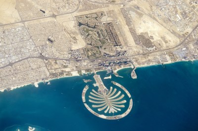 File:ISS-47 Palm Jumeirah, Dubai.jpg - Wikimedia Commons