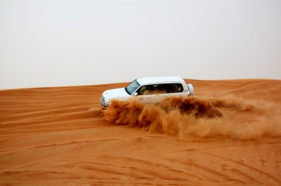 File:Dune bashing, Dubai, 2007 (06).JPG - Wikimedia Commons