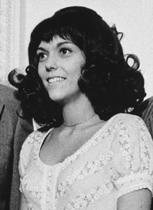 images for karen carpenter