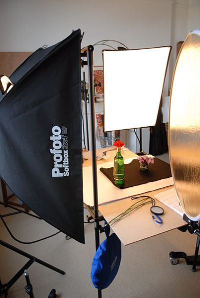 File:Still life photography studio setup with softboxes ...