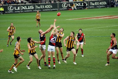 File:Stoppage in an AFL game.jpg - Wikimedia Commons