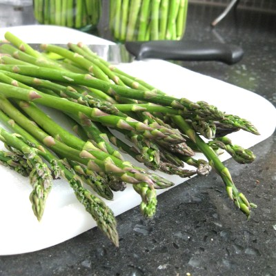 How to Store Fresh Asparagus | urban strawberries