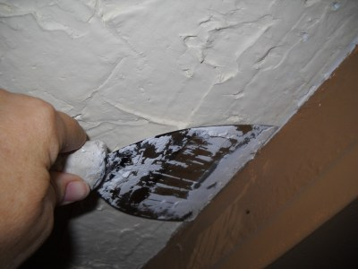 How to Hand-Plaster Walls to Cover Wallpaper and Damage | Dengarden