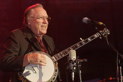 Thousands Remember the Life of Earl Scruggs at Public Funeral