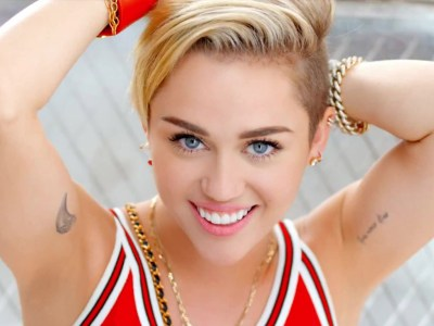 Miley Cyrus HQ Wallpapers | Miley Cyrus Wallpapers - 18098 - Filmibeat Wallpapers
