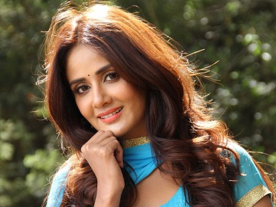 Parul Yadav HQ Wallpapers | Parul Yadav Wallpapers - 25618 - Filmibeat Wallpapers