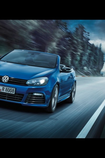 640x960 2013 Volkswagen Golf R Cabriolet Motion Front Angle Iphone 4 wallpaper