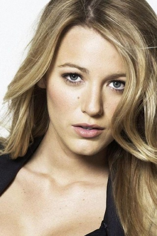 320x480 Blake Lively Close-up Iphone 3g wallpaper