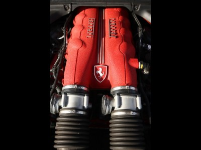 1920x1440 Ferrari California Engine desktop PC and Mac wallpaper