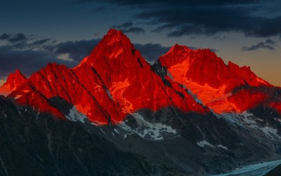 Red Sunset Over Mountains wallpapers | Red Sunset Over Mountains stock photos