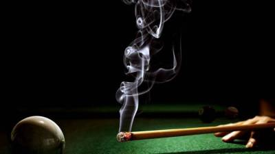 Funny Billiard Smoking Balls Iphone Wallpapers HD / Desktop and Mobile Backgrounds