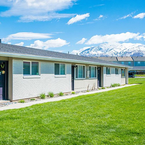 Opens blog post about the Cadence Apartments in Roy, Utah