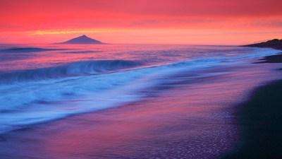 sun rising behind the blue sea wallpaper - HD Wallpaper