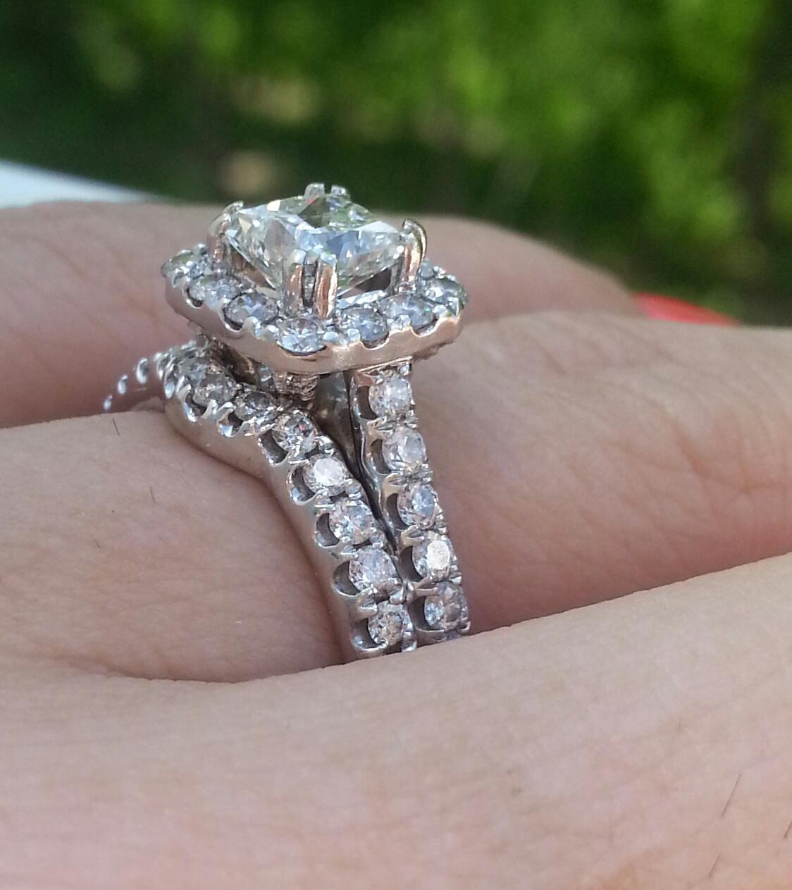 neil lane wedding rings neil lane wedding bands Neil lane wedding rings Pics Of Neil Lane 1 5 Ct Halo Engagement Ring On