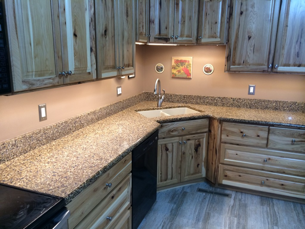 amish kitchen cabinets amish kitchen cabinets These gorgeous Amish kitchen cabinets are made out of rustic hickory with a natural stain