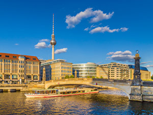 Berlin   Official Website of the City of Berlin  Capital of Germany     River Cruise