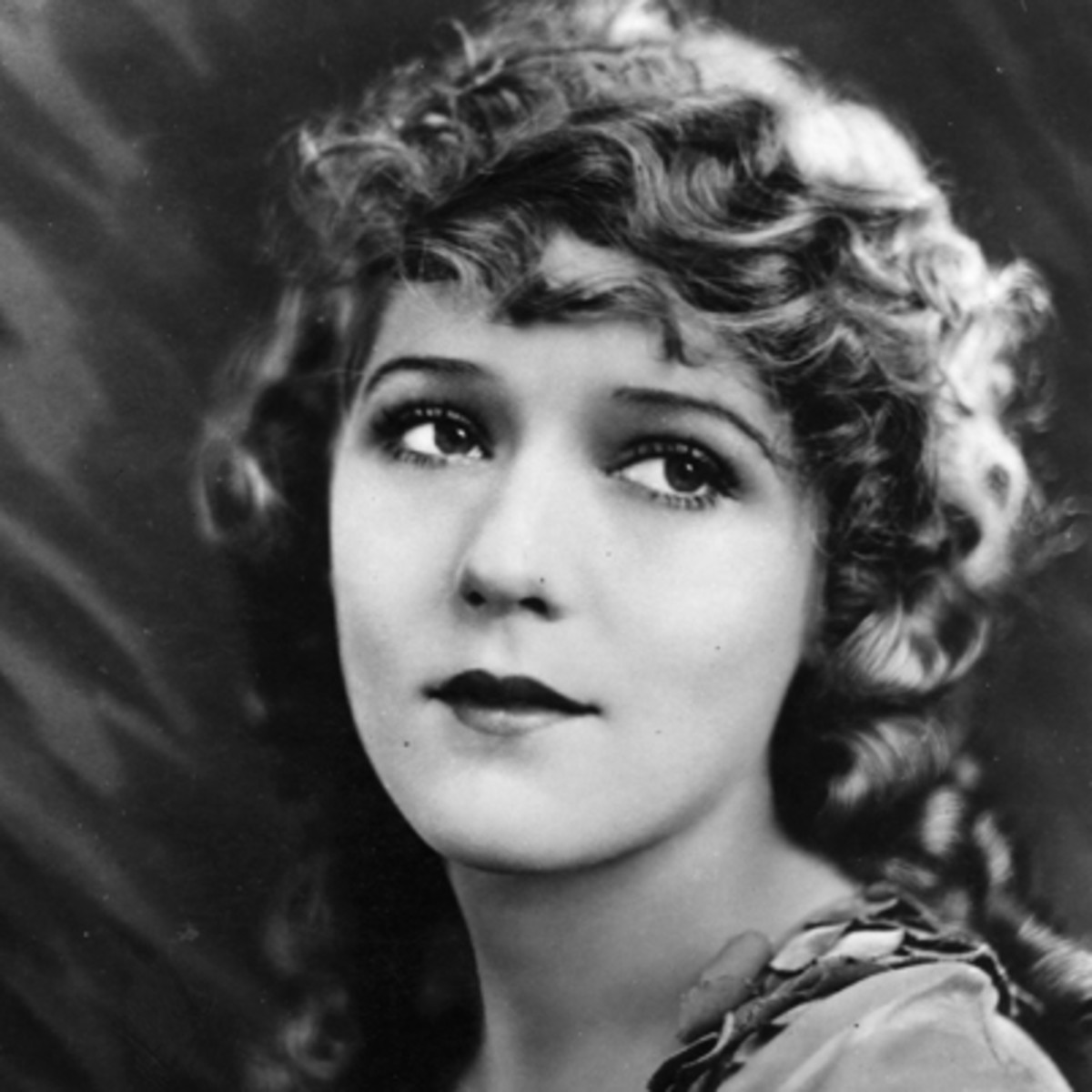 Mary Pickford   Screenwriter  Theater Actress  Producer  Film Actor     Mary Pickford   Screenwriter  Theater Actress  Producer  Film Actor Film  Actress  Film Actress  Actress   Biography