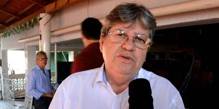"""João sobre deixar os quadros do PSB: """"Este não é o momento"""""""