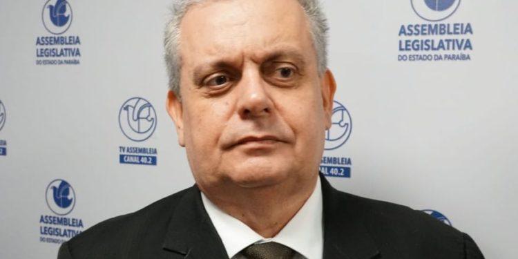 """Bosco Carneiro justifica entrega de cargos no governo: """"Posição de respeito e de coerência com os meus pensamentos"""""""