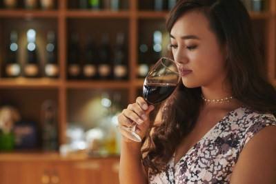 5 Ideal Situations For Drinking White Wine - Bold Face News