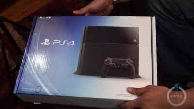 Sony PlayStation 4 Unboxing, Setup & First Impressions
