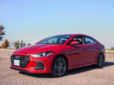 2017 現代 Hyundai Elantra Sport | Canadian Auto Review
