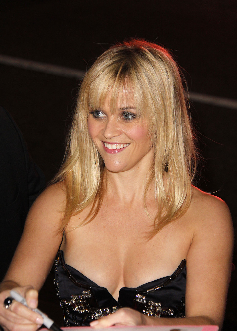 Reese Witherspoon Weight Height Body Measurement  Bra Size  Diet     Rare Unseen  Child Hood  Hot Photos of Reese Witherspoon