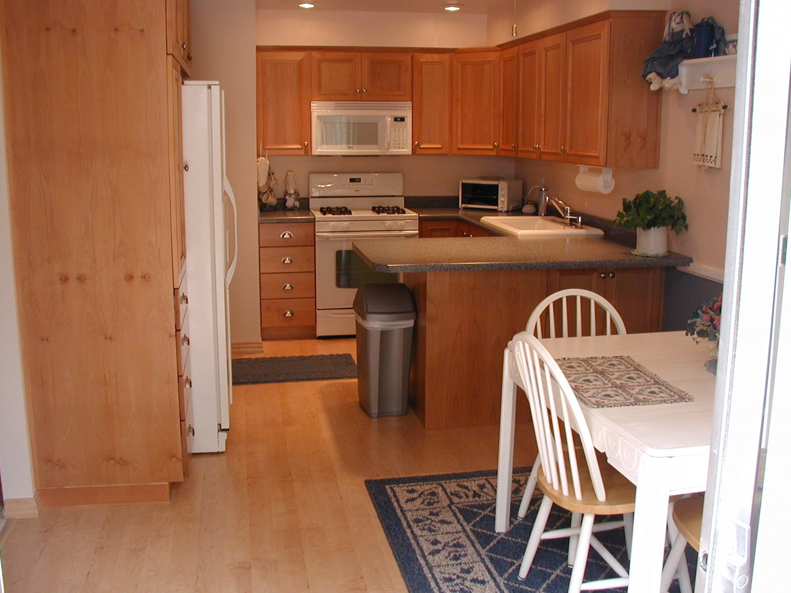 color wood floors 3 wood floors in kitchen color of wood floors kitchen 6