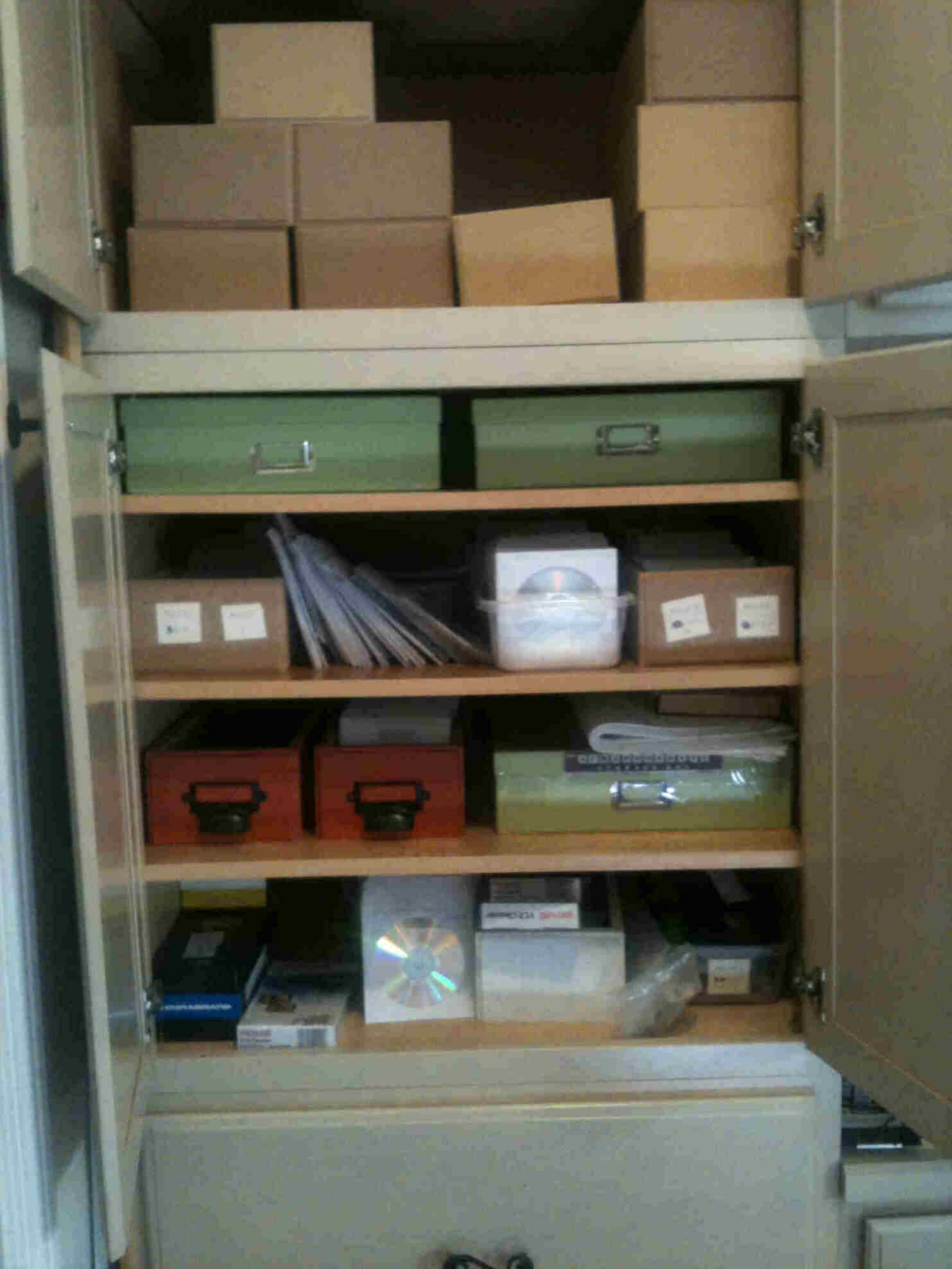 94888d1336254471 rta kitchen cabinets help please cabinets for cd dvd boxes 01
