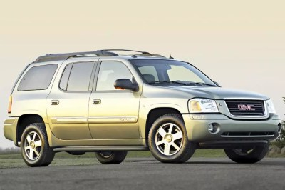 2004 GMC Envoy Overview | Cars.com