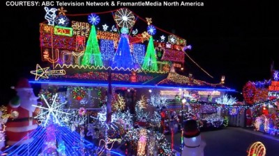 Toronto family's dazzling holiday display featured on ...