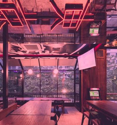 PHTAA living design's tokyo hustler restaurant