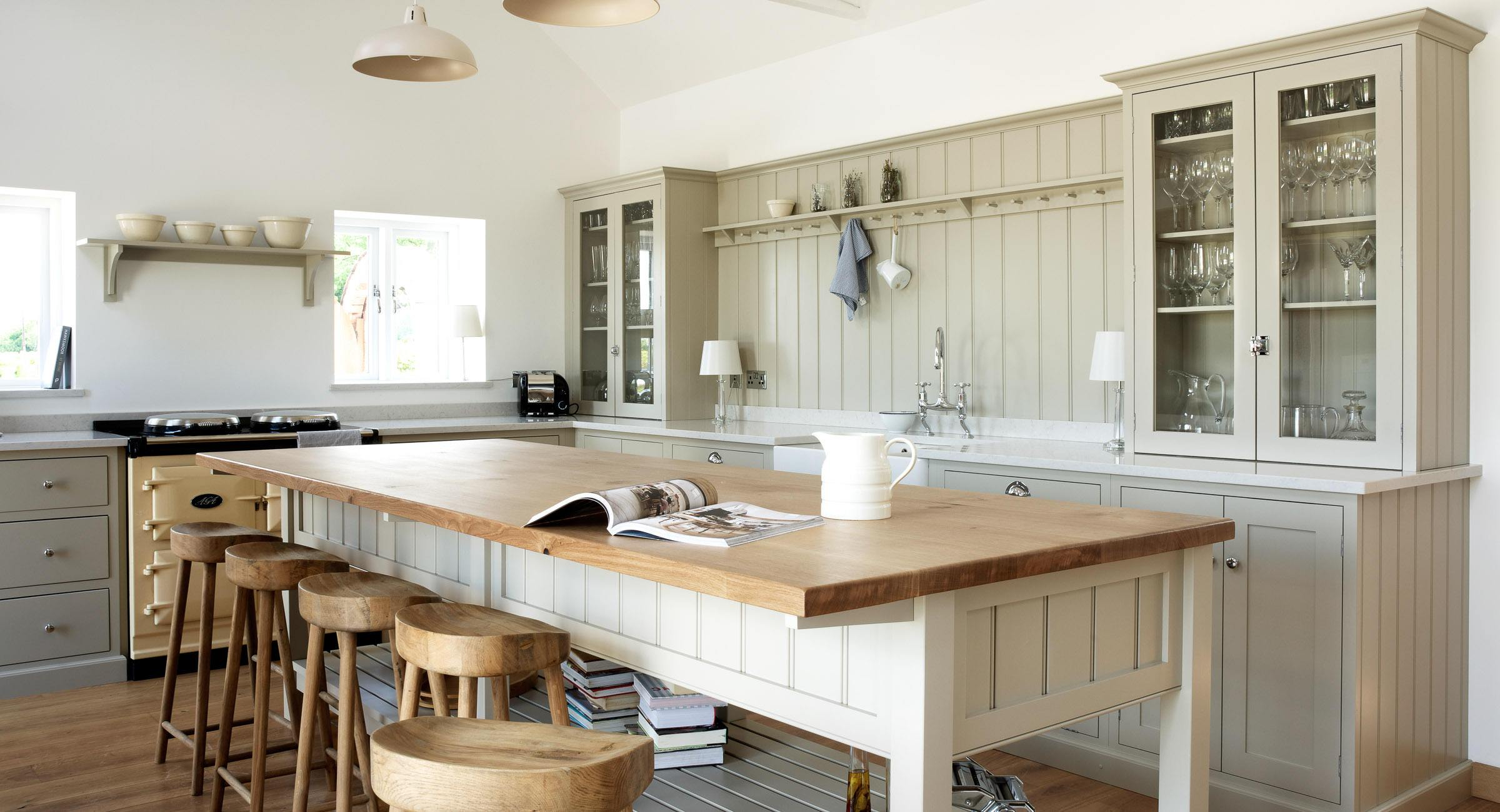 shaker kitchen shaker kitchen island A beautiful barn in Warwickshire is the setting for this family friendly Shaker kitchen with tongue