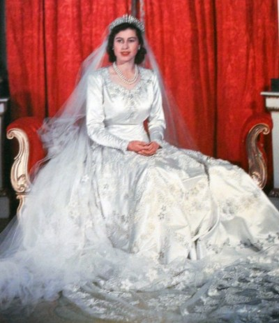 The Young Queen Elizabeth - Royal Gowns From The 1950s ...