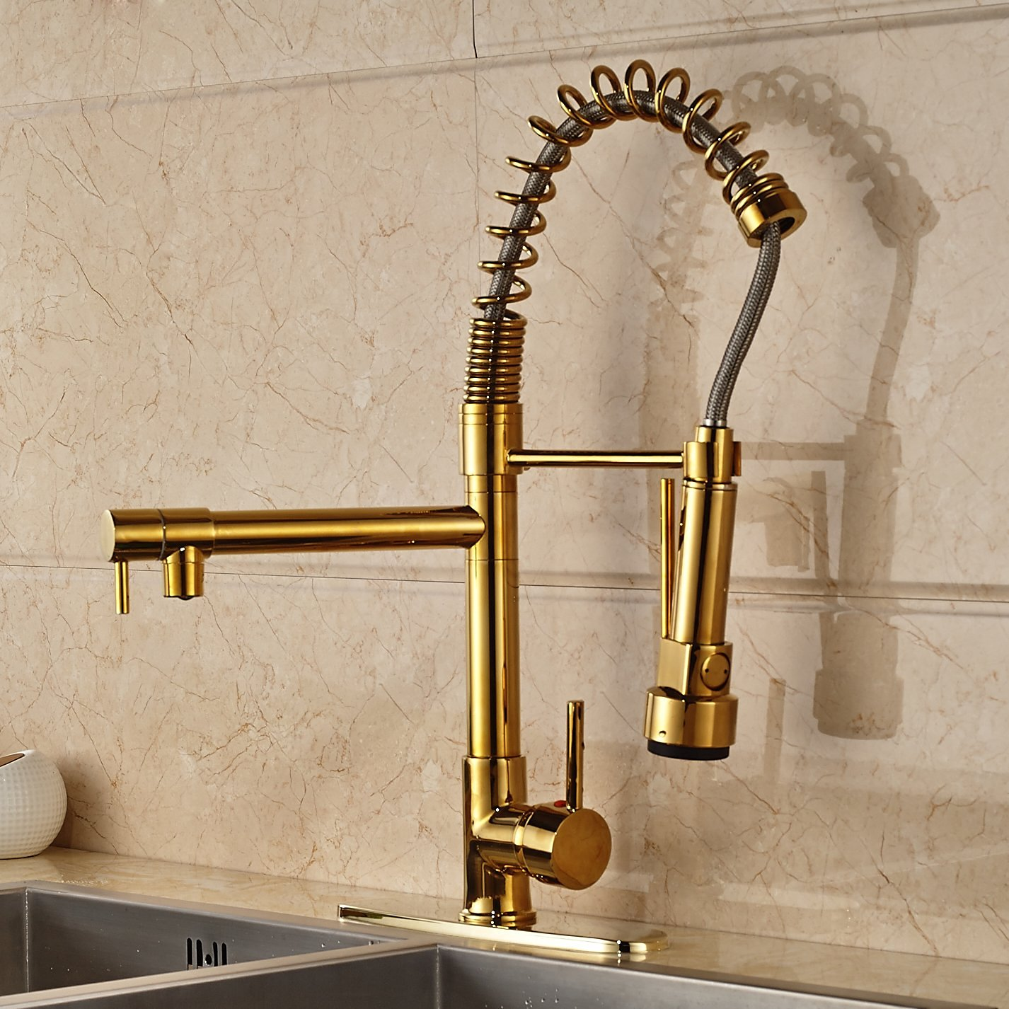 fsrks kitchen sink faucet Curitiba Deck Mounted Gold Finish Kitchen Sink Faucet with Pull Down Sprayer
