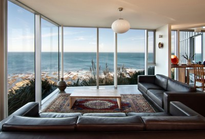 Cliff-top Home with Spectacular Views in Wellington, New ...
