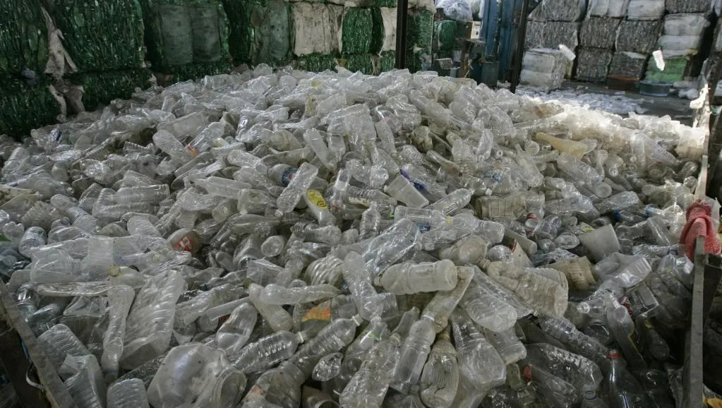 Montreal wants complete ban on plastic water bottles