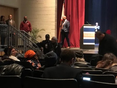 Chaotic Detroit school board meeting ends abruptly