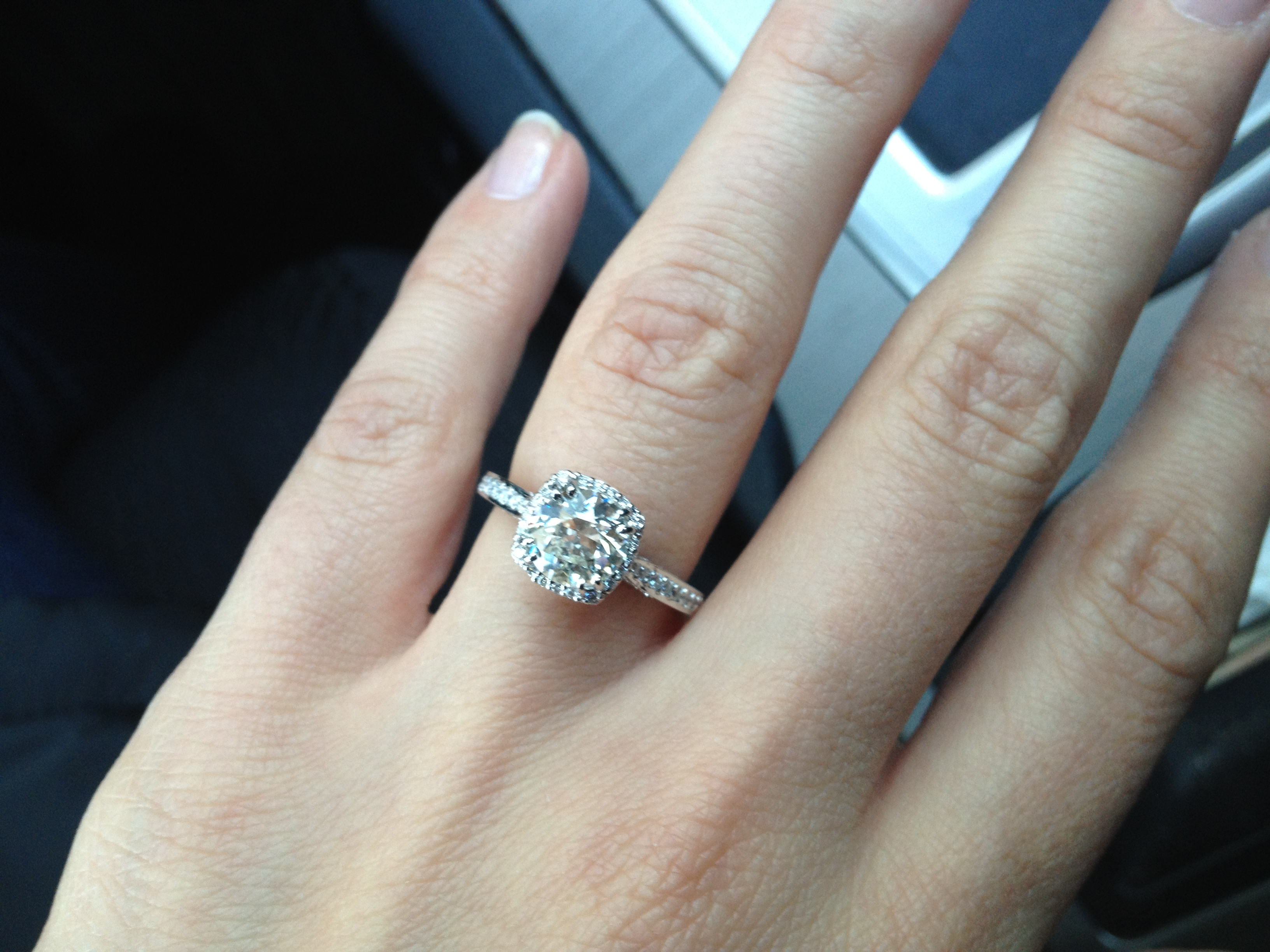 the story behind the left hand ring finger verragio wedding band