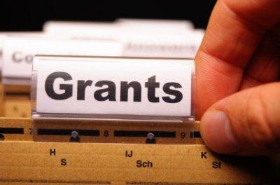 Grant Programs for Undergraduate and Graduate Teacher Education Students ~ GoCollege.com