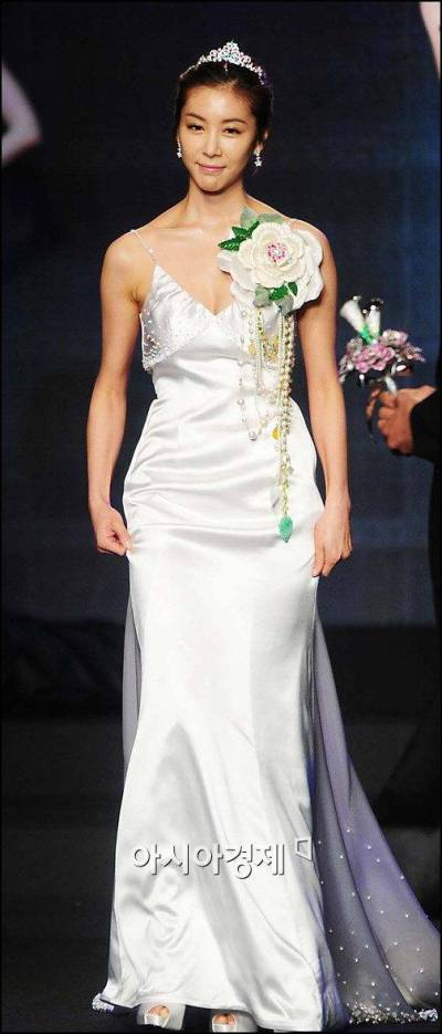 [ChanMi's star news] Han Eun-jung in a million dollar ...