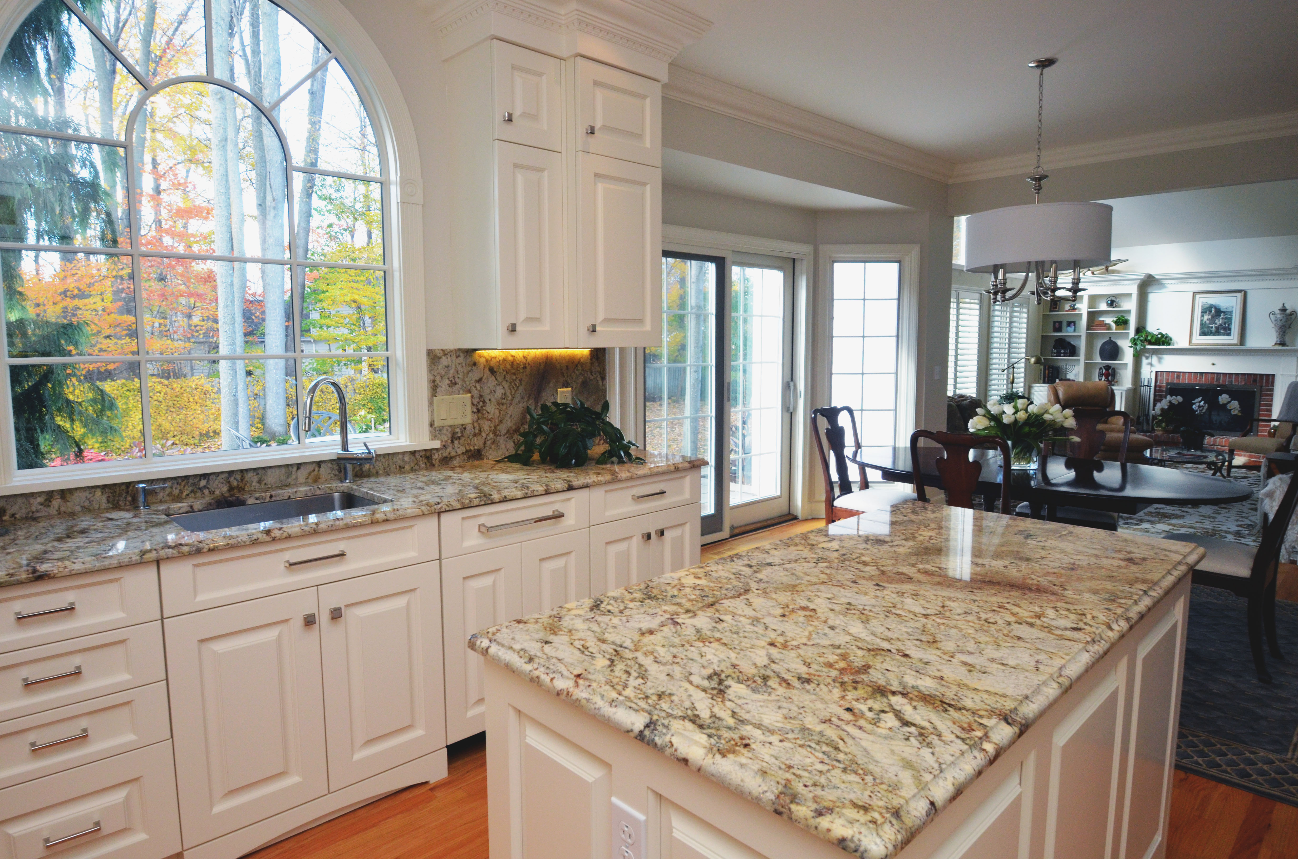 showcase granite kitchen countertops Granite Kitchen Countertops