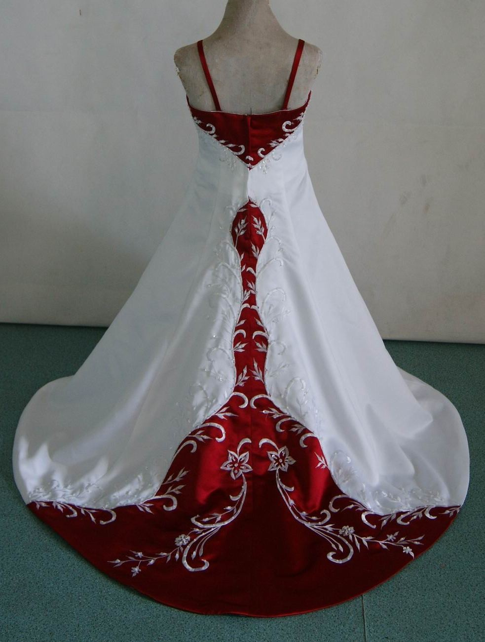 MB baby dresses for wedding red and white flower girl dresses with trains