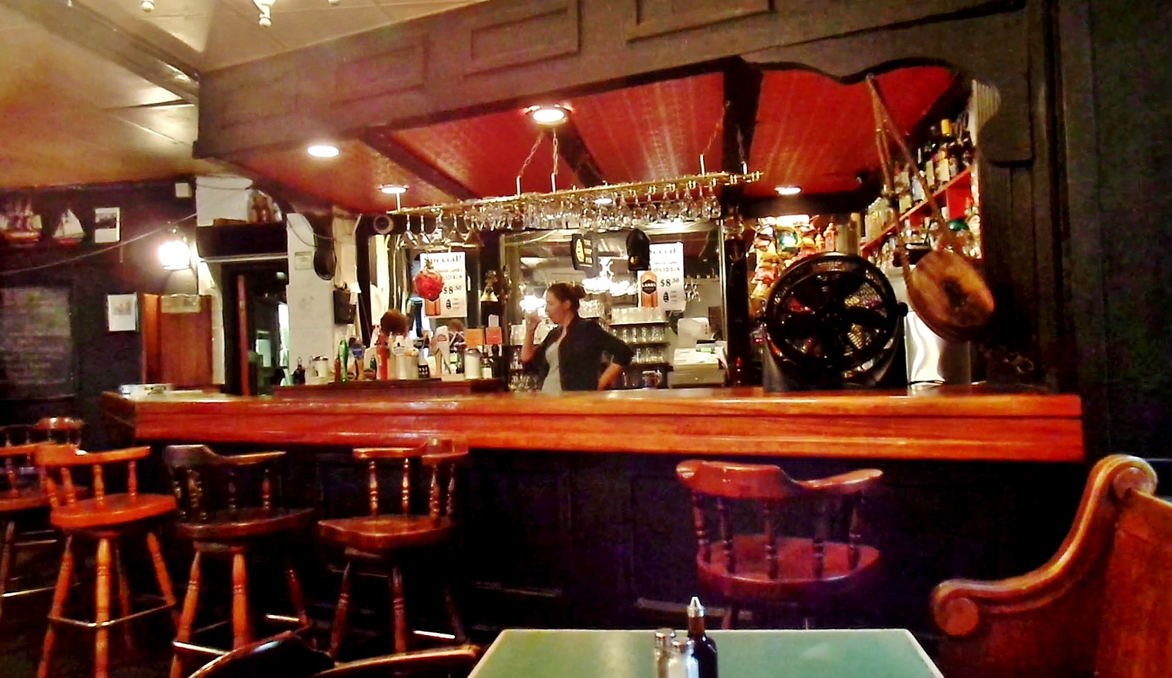 The Ship Pub review   Karl Wells Ship s bar