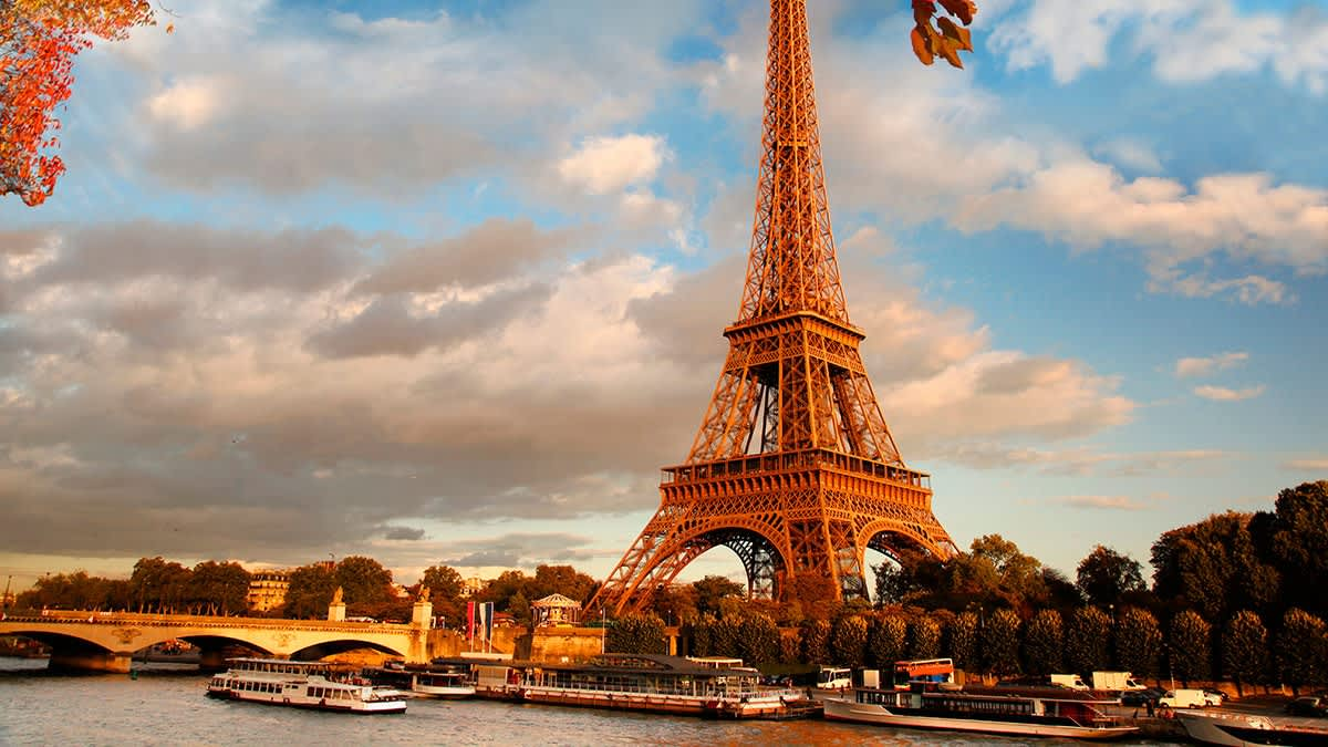 Paris Hotels from     55   Cheap Hotels   lastminute com Paris hotels