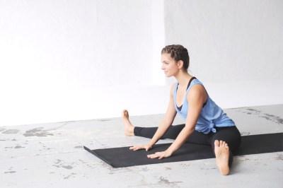 Yoga & Periode | Darauf solltest du unbedingt achten | 5 ...